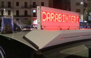 b_300_220_15593462_0___images_stories_Carabinieri6_av_control.jpg